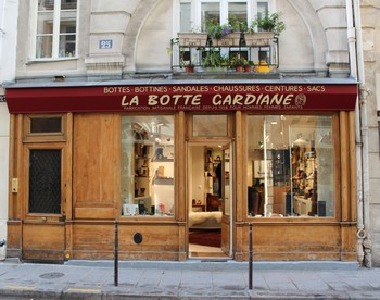 Boutique La Botte Gardiane Paris rue du bourg Tibourg