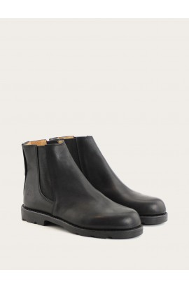 Boots black calf black outsole